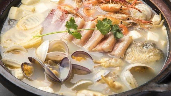 鹹肉鯽魚湯