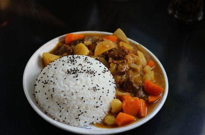 茶餐廳系列:咖哩牛腩飯