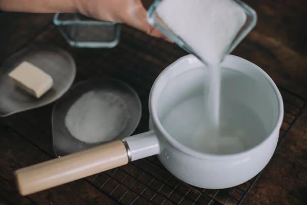 甜品界的黃金配角:海鹽焦糖醬-Salted-Caramel-Sauce-3