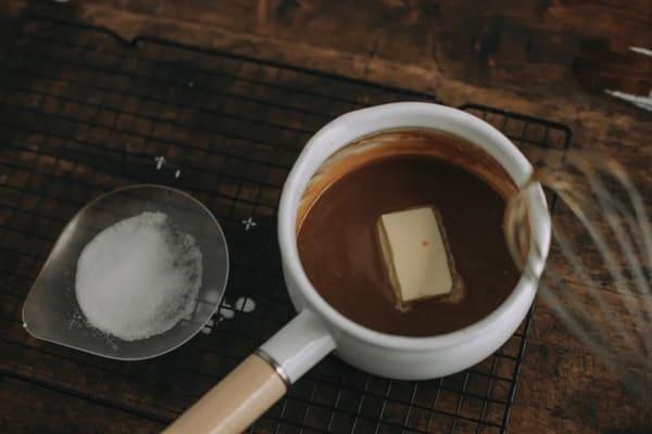 甜品界的黃金配角:海鹽焦糖醬-Salted-Caramel-Sauce-5
