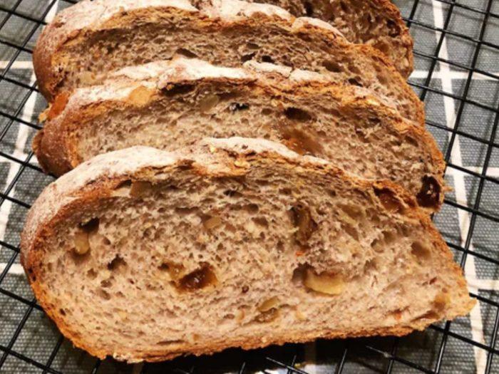 免揉!蔓越莓核桃歐式麵包 (No-Knead Cranberry Walnut Artisan Bread)